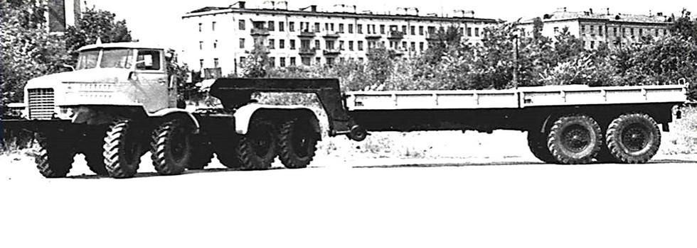 Испытания тягача НАМИ-058С с открытым бортовым полуприцепом