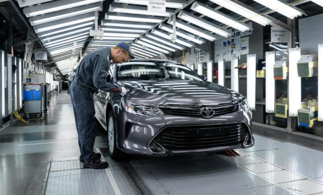 Завод Ниссан  вПетербурге возобновляет производство после летних каникул
