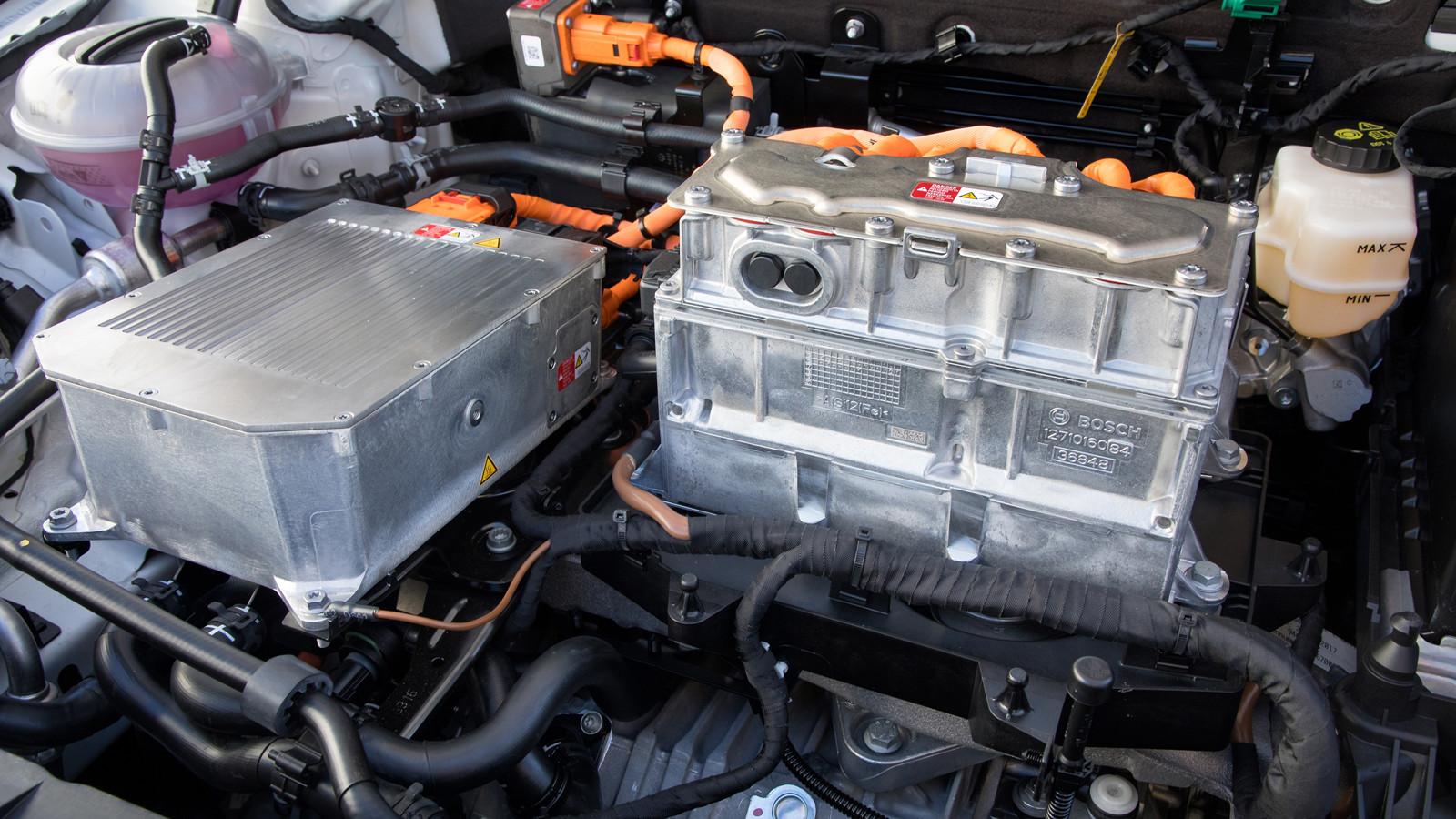 Назаправках ипарковках вРФ установят зарядки для электромобилей