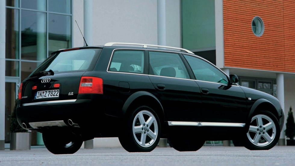 На фото: Audi Allroad 4.2 quattro '2000–06