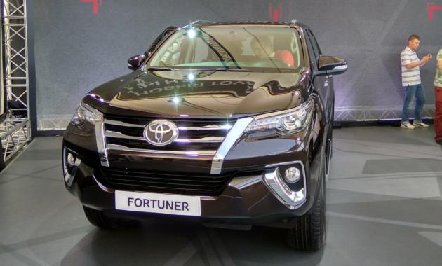 Вседорожный автомобиль Тойота Fortuner в РФ вначале получит дизель