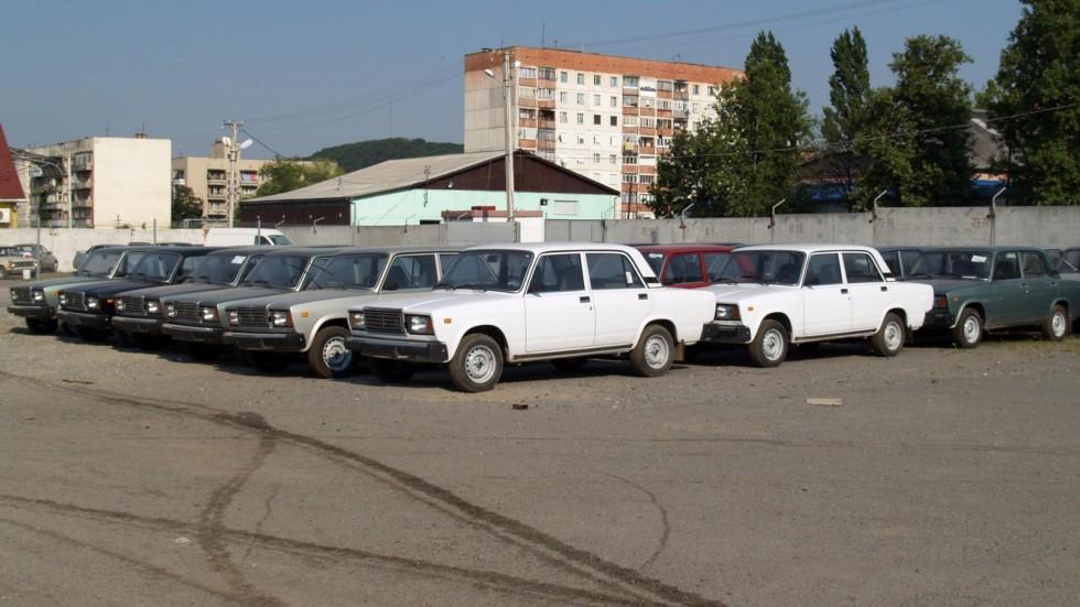 «Семёрки» производства АвтоЗАЗ на складе товарных автомобилей (2007 год)