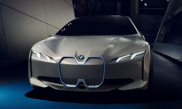 12СенBMW привезла во Франкфурт электрический седан