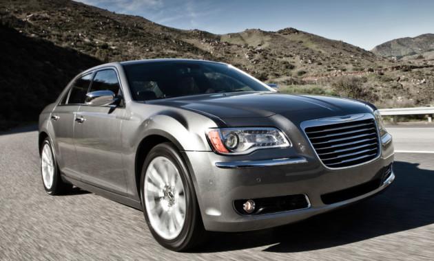 Chrysler иJEEP отзывают неменее 3-х тыс. авто