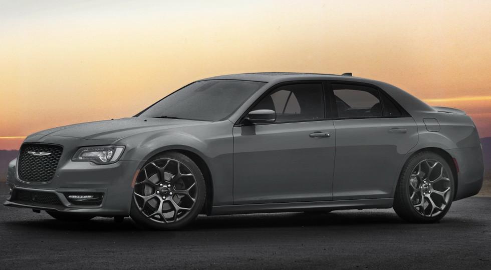 Chrysler 300 Hellcat с«табуном» вподкапотном пространстве выйдет совсем скоро