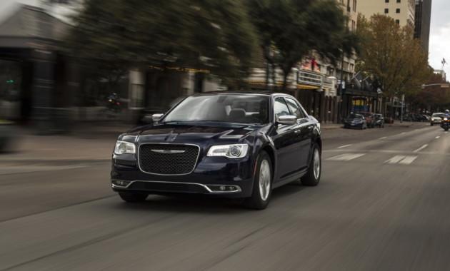 Chrysler планирует выпустить седан 300 в мощной версии Hellcat
