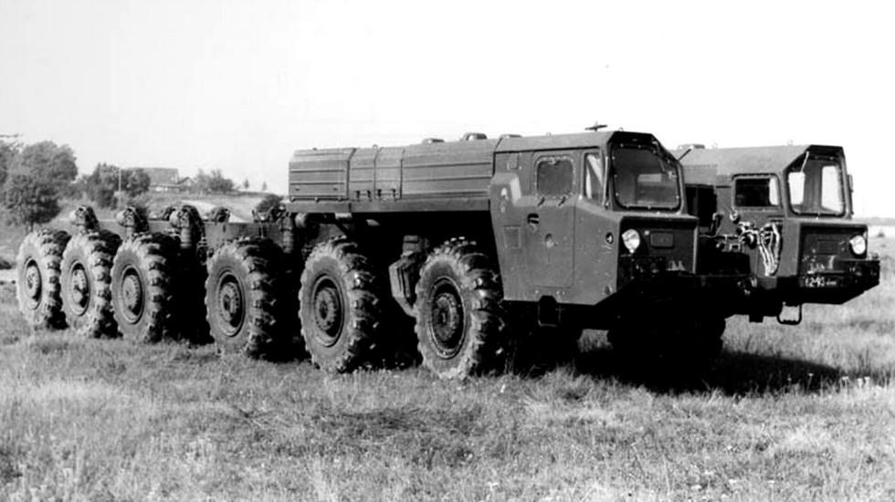 650-сильный автомобиль-шасси МАЗ-547А для ракетного комплекса «Темп-2С» (из архива МЗКТ)