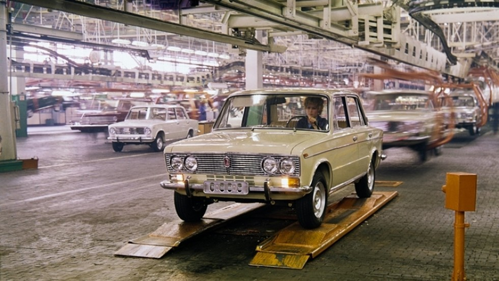 Традиционный ВАЗ-2103 празднует 45-летие