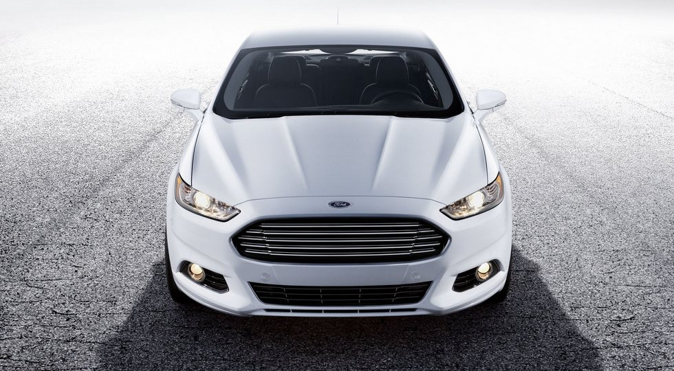 2014-ford-mondeo-wallpaper-7