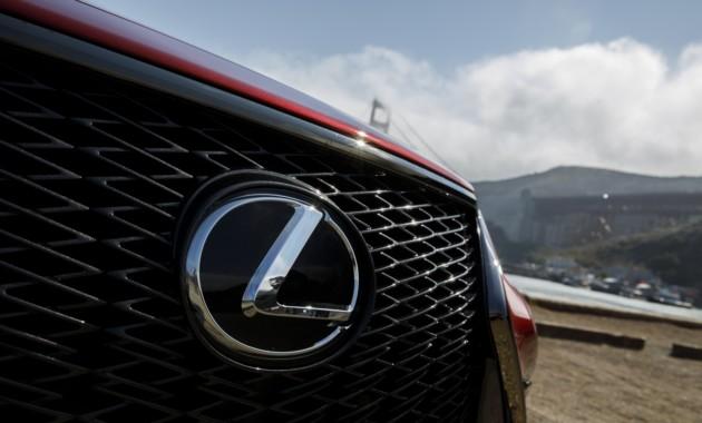 Lexus покажет новый концепт на автосалоне в Токио