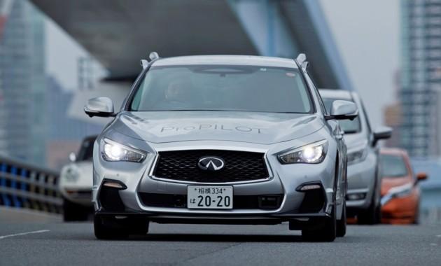 Ниссан протестировал беспилотный автомобиль на трассах Токио