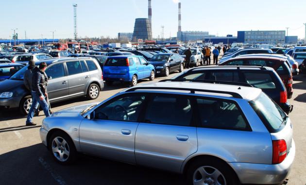 Средняя цена подержанного автомобиля превысила 700 тыс. руб.