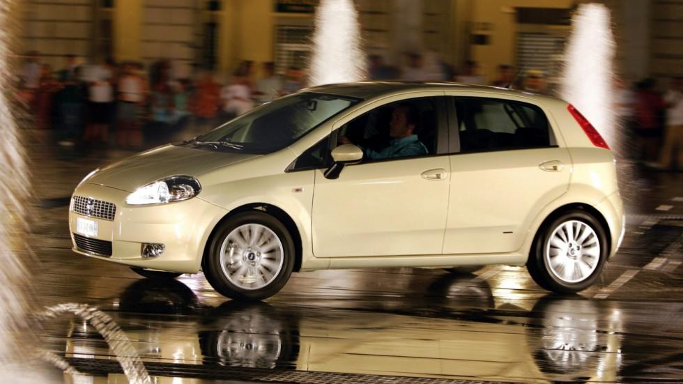 На фото: Fiat Grande Punto 5-porte '2005–12