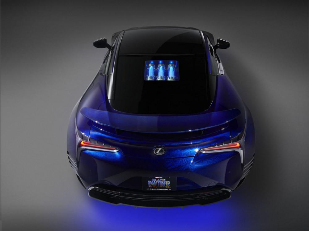 Лексус продемонстрировал автомобиль «Черной Пантеры»