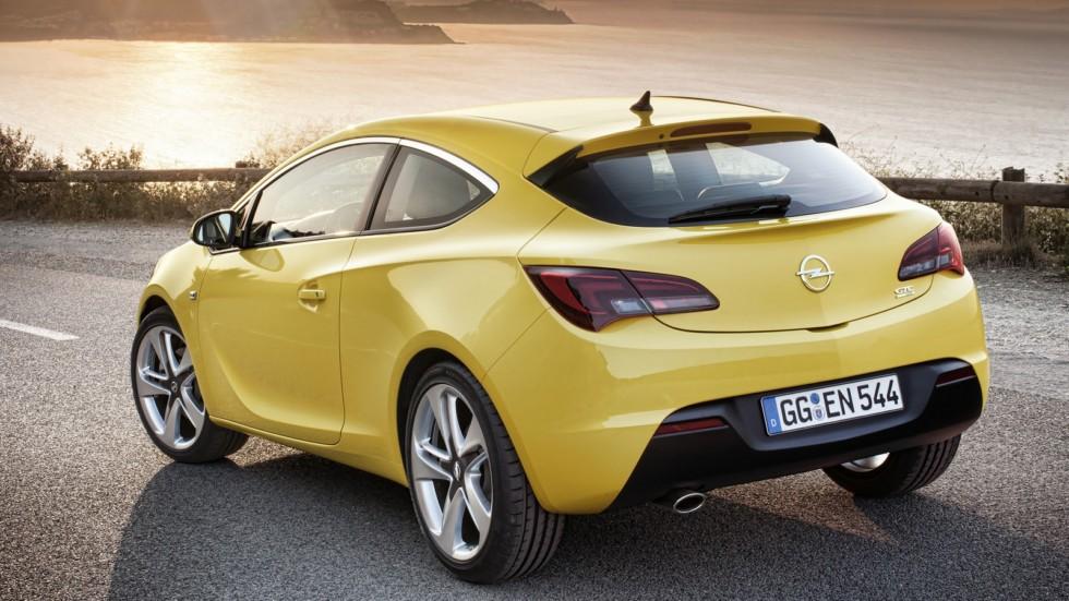 На фото: Opel Astra GTC (J) '2011–н.в.