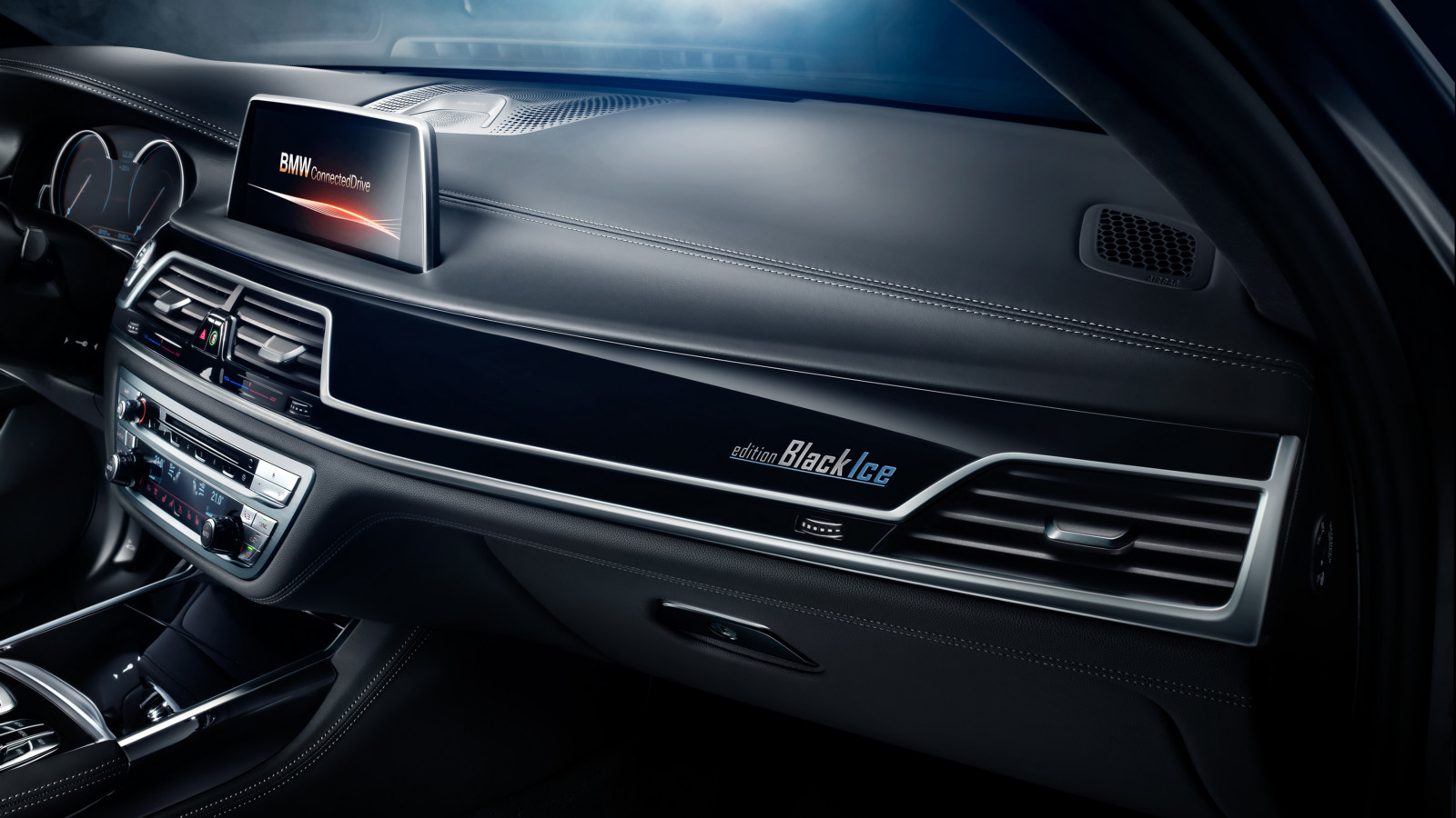 БМВ создал дляРФ специальную версию седана 7-series Edition Black Ice