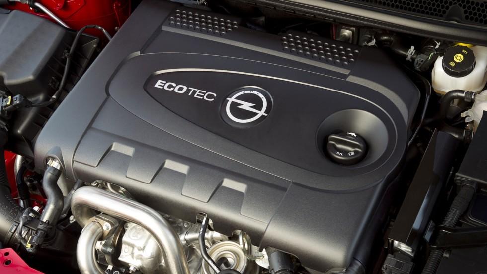 На фото: Под капотом Opel Astra BiTurbo (J) '2012–15