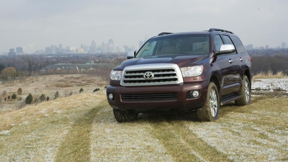На фото: Toyota Sequoia Limited '2007–17