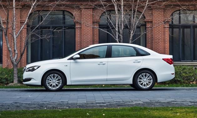 Появились «живые» фото обновлённого седана Buick ExcelleGT