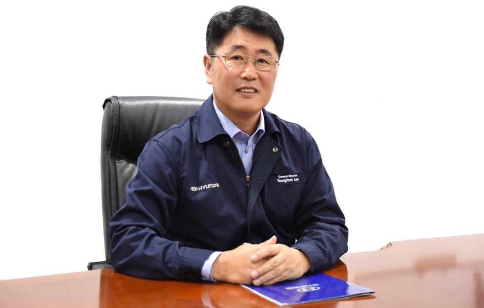 На фото: новый гендиректор завода Hyundai Motor в Санкт-Петербурге Ли Ентэк