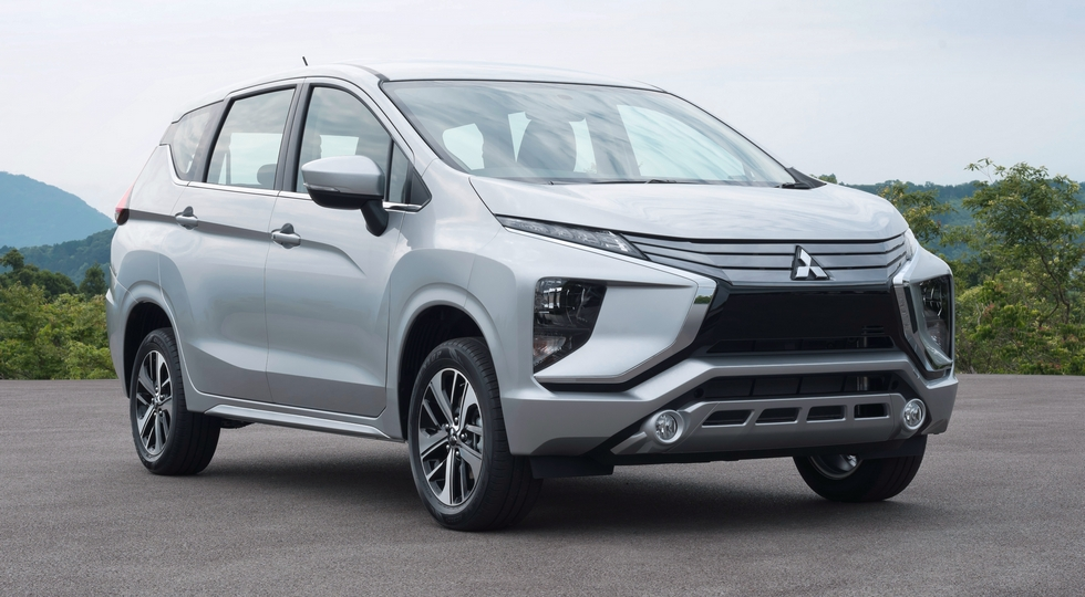 На фото: Mitsubishi Xpander. В нашей стране компактвэн продавать не планируют