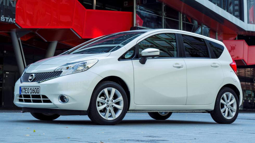 На фото: Nissan Note