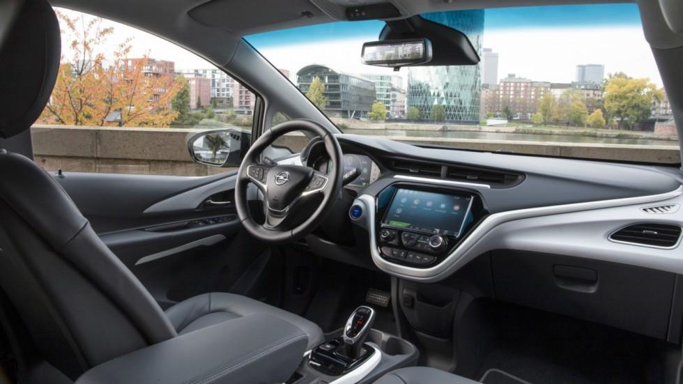 Opel не справляется со спросом на Ampera-e