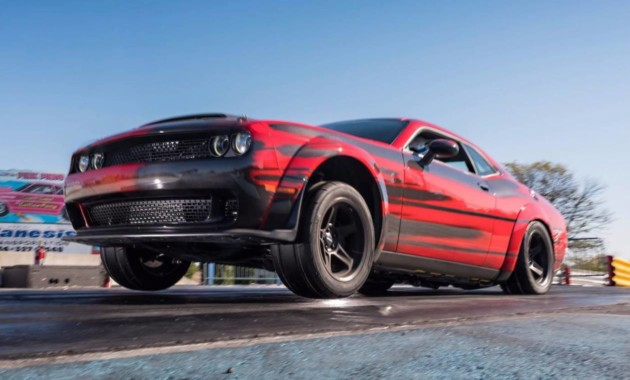 Новый Dodge Challenger SRT Demon облегчат благодаря углеродному волокну
