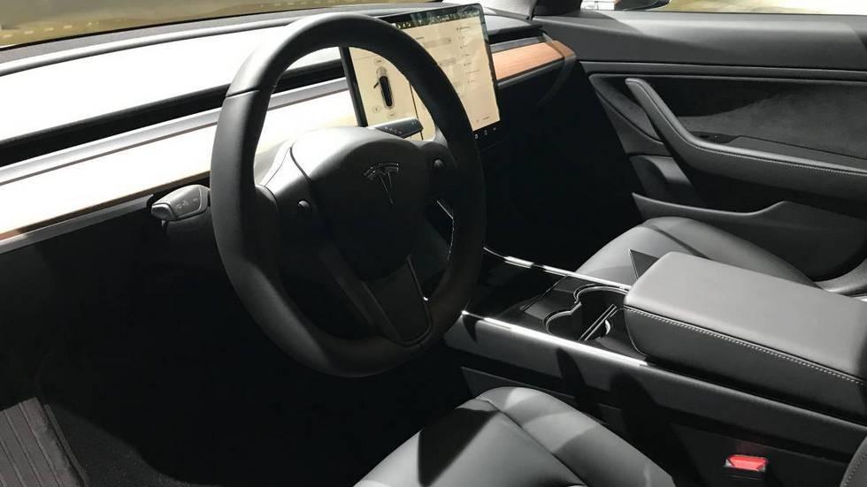 Илон Маск продемонстрировал процесс производства Tesla Model 3