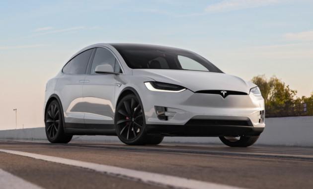 Вкомпании Tesla начались массовые увольнения