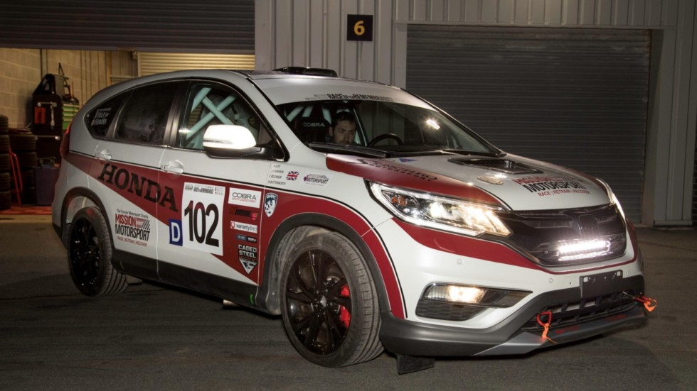 123606_Honda_UK_and_Mission_Motorsport_create_first_ever_CR_V_diesel_race_car_for