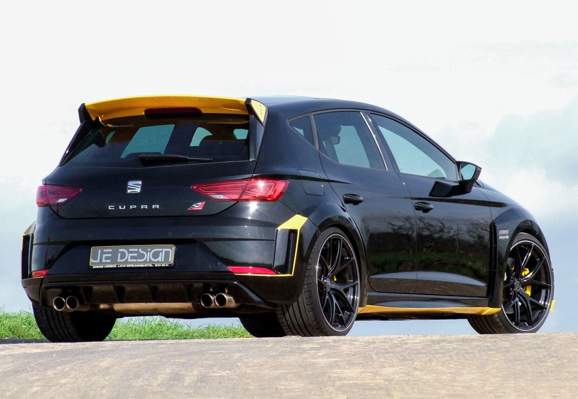 Сеат Leon Cupra JeDesign будет главным конкурентом Ауди RS3 Sportback