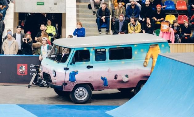 УАЗ разработал спецверсию «Буханки» для скейтбординга