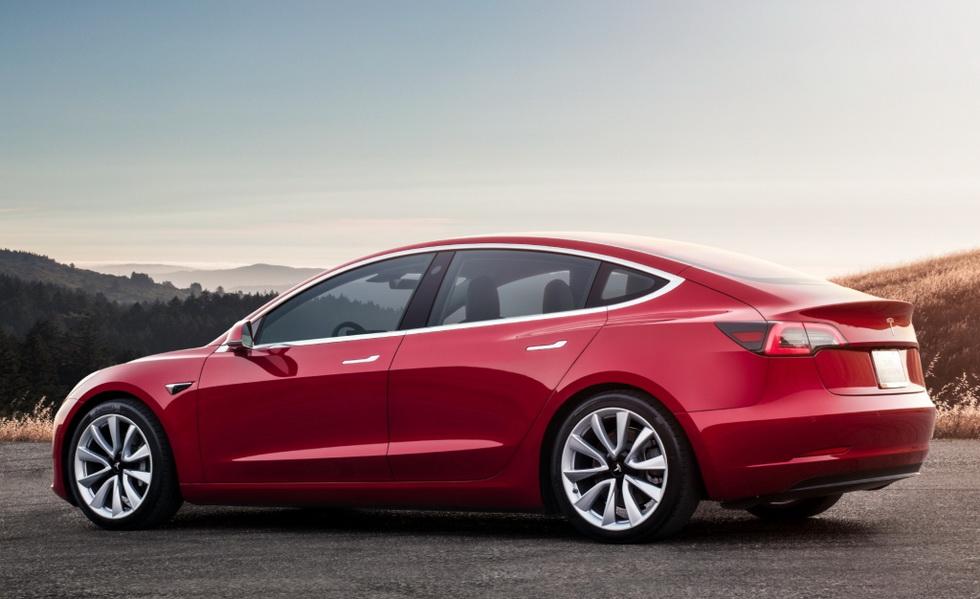 Смотреть Смотри! Tesla Model 3 2019   Фото, видео, технические характеристики видео