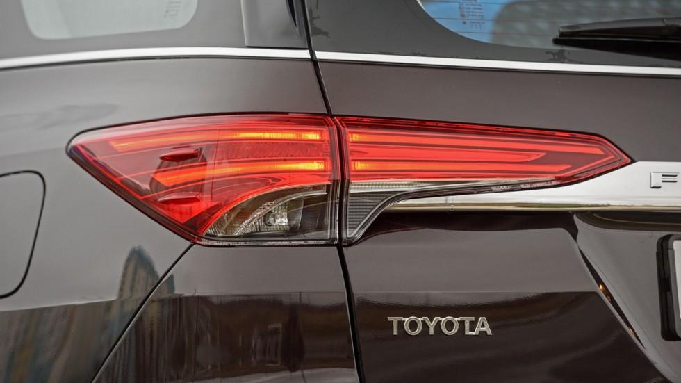 Toyota_Details_04