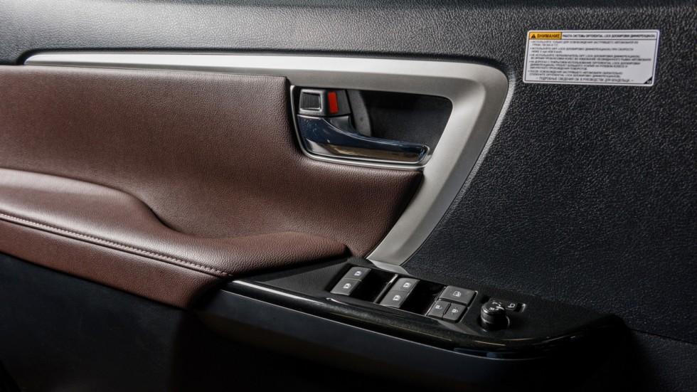 Toyota_Interior_01
