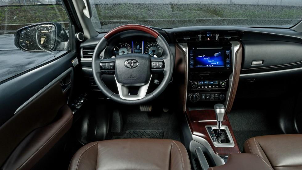 Toyota_Interior_20