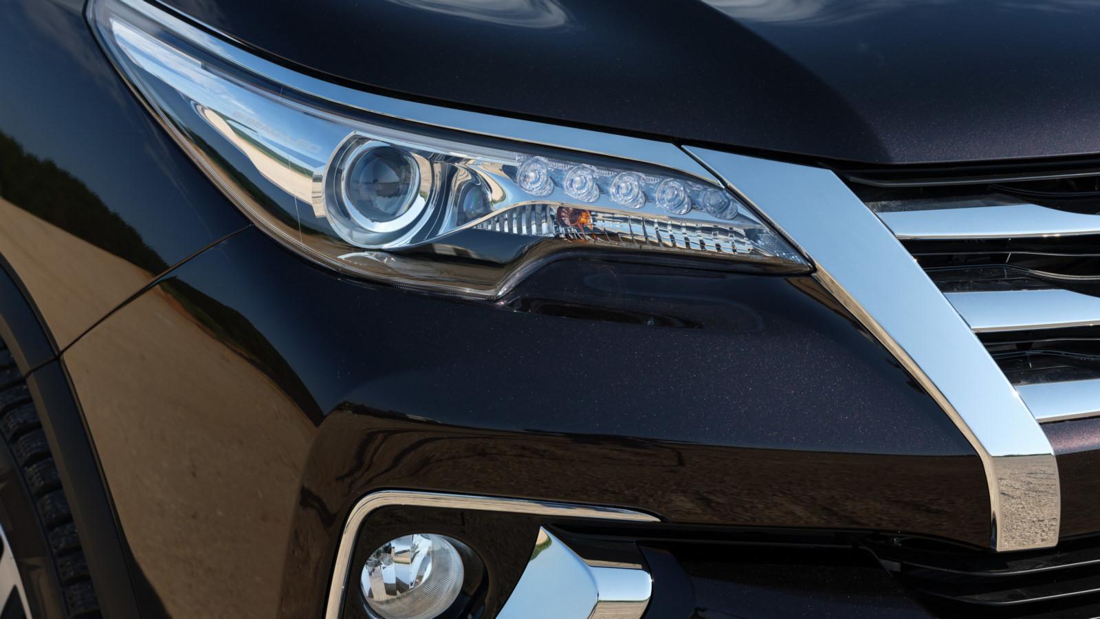 Стартовали русские продажи джипа Тойота Fortuner