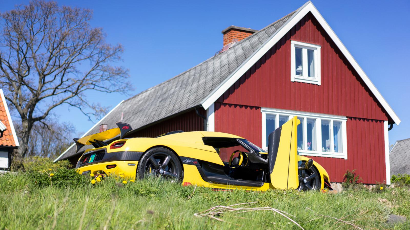 Почувствуйте себя зарулем! Шведский гиперкар установил мировой рекорд