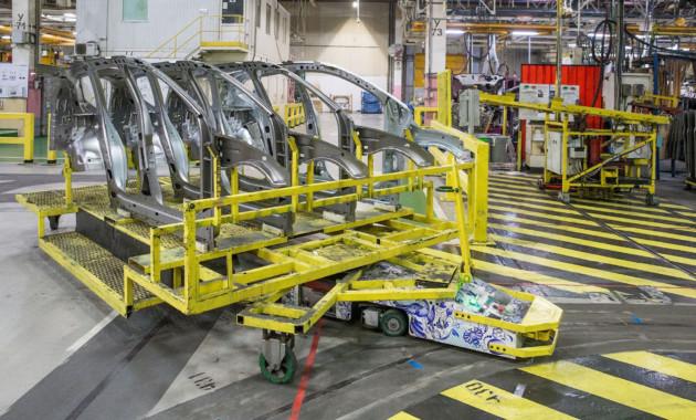 Рэно начал поставки беспилотных транспортных средств