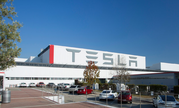 Электромобили Tesla: более 90% брака