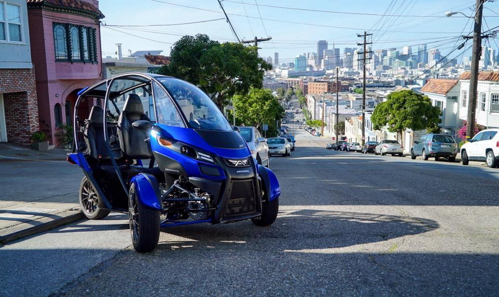 В Лос-Анджелесе представили новый тип автотранспорта Arcimotor SRX
