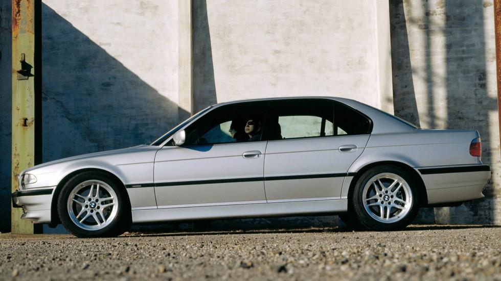 На фото: BMW 740d (E38) '1999–2001