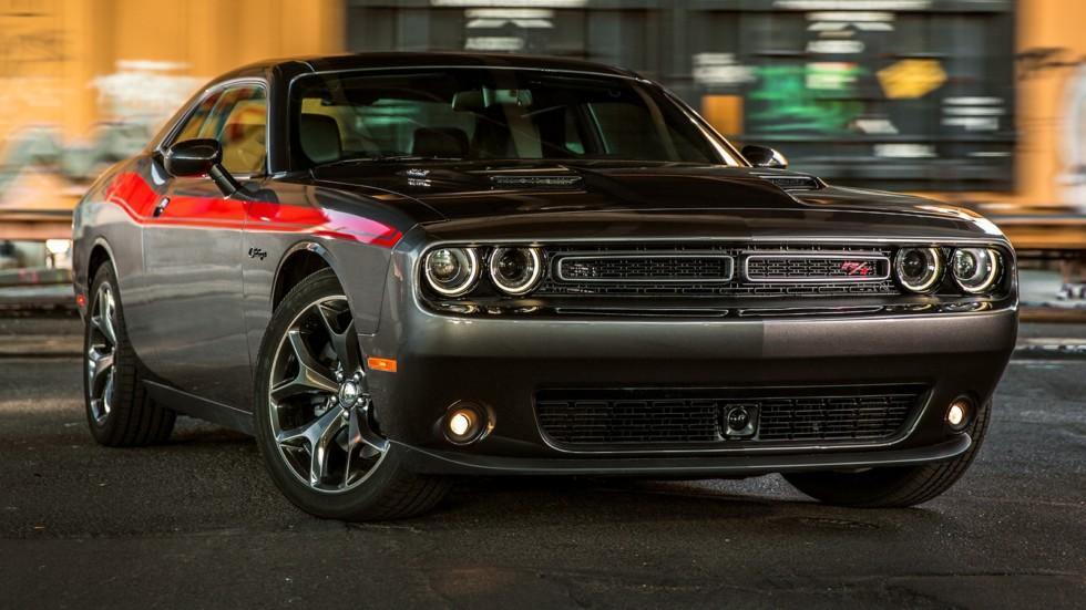 На фото: Dodge Challenger R\T Classic '2014–н.в.