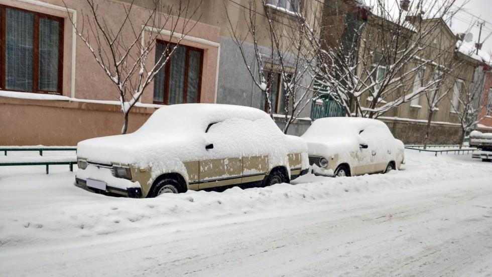 Не самая плохая идея в снегопад – остаться дома. Или, по крайней мере, оставить там машину