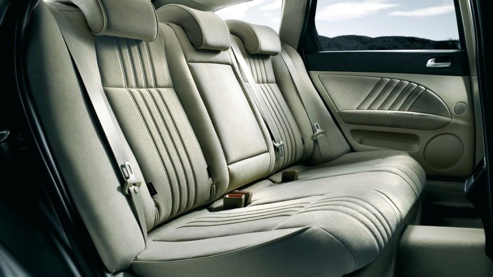 Интерьер Alfa Romeo 159 Sportwagon Worldwide (939B) '2008–11л