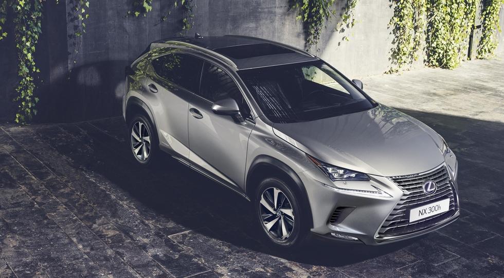 На фото: обновленный Lexus NX
