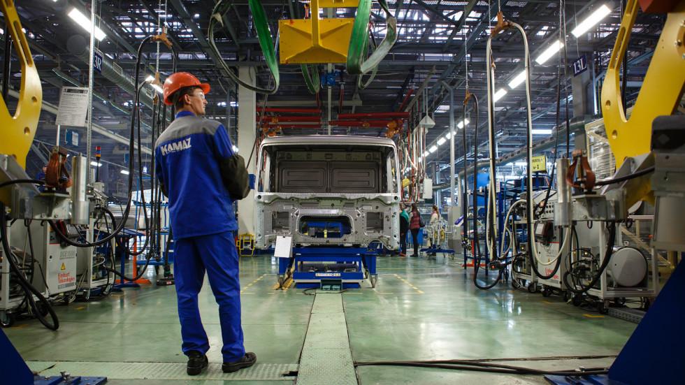 КАМАЗ поставил компании «ИТЕКО Россия» большую партию тягачей