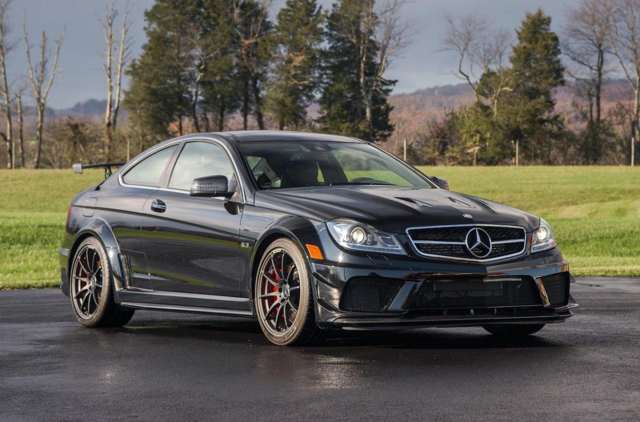 Mercedes benz black series for Black mercedes benz 2017