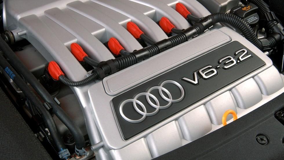 На фото: Под капотом Audi TT quattro '2003–06
